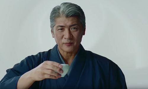 生茶のCMの吉川晃司2