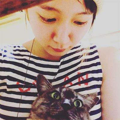 吉岡里帆と猫