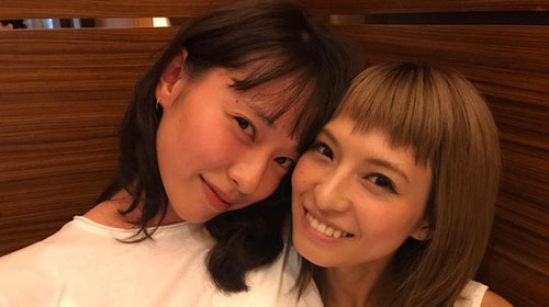 戸田恵梨香とSCANDALのHARUNA
