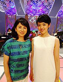 手塚真生と母の朝加真由美
