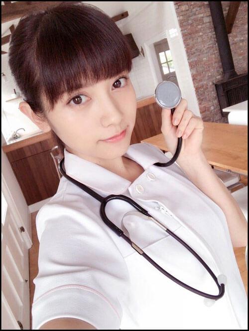 桃月なしこ看護師
