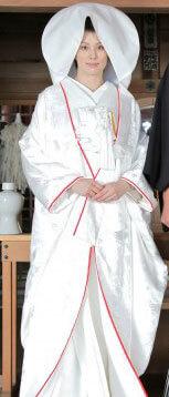 白無垢姿の米倉涼子